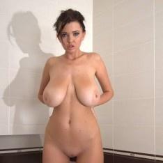 Nude women sucking cock