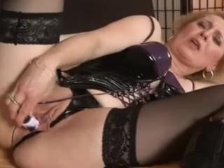 Wanting cock mature woman masturbates