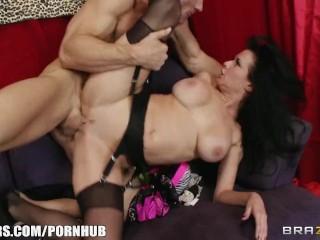 Stunning brunette cougar Veronica Avluv fucks a store cashier