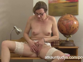 Sofia Matthews is a sexy teacher getting herself off as today's lesson