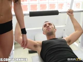 Kortney Kane's needs help stretching – Brazzers