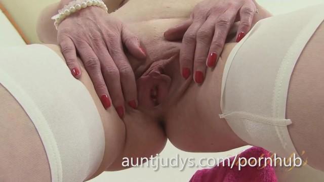 Nackt schlanke milf Beste Schlanke