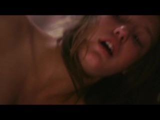 Adèle Exarchopoulos and Léa Seydoux lesbian scene tribbing