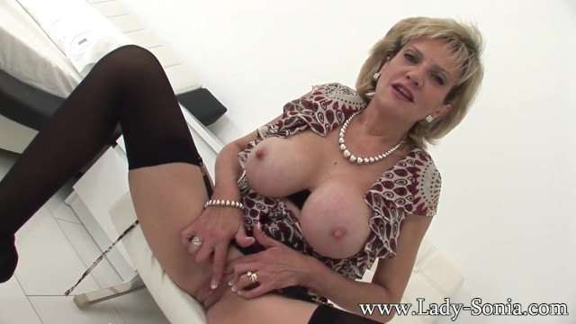 Sonia milf lady Official Site