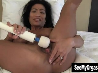 Exotic Tia Vibrating Her Cooter