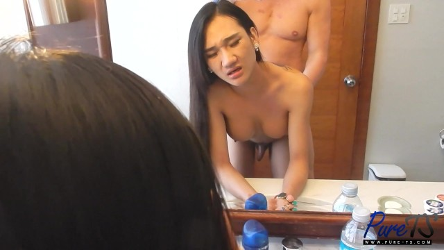 Getting Fingered While Sucking