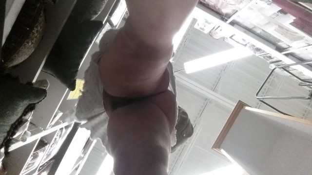 Blonde Shopping no Panties Public Upskirt
