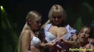 Extreme Lesbian Threesome