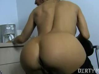 Female Muscle Pornstar Devon Michaels Plays