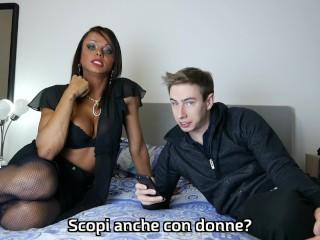 Ecco cosa vogliono i clienti da una trans! Video porno italiano transex