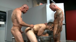 Sean Duran Offered as Glory Hole Surprise to Couple
