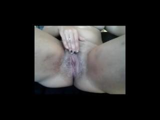 Sarettahot streap e masturbazione all'aperto con rischio di essere vista. Amatoriale italiano spogliarello