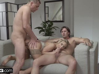 Glamkore – Vinna & Nikky take on five guys for a group fuck