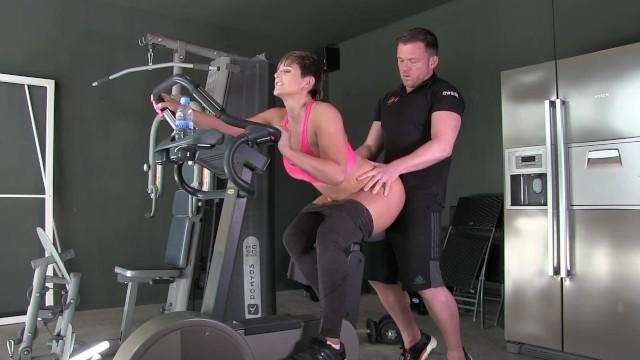 Personal Trainer Großer Schwanz