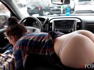 Sloppy Car Blowjob – LJFOREPLAY