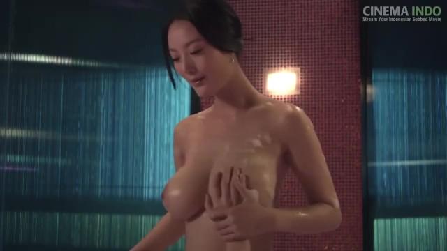 Daniella Wang  nackt