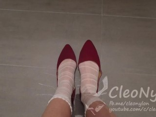 #56 cute socks in red shoes