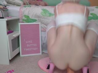 Tweetney | Pink Kitten's Squat Ride – Preview