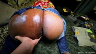 PHAT ASS Step Mom Fucked HARD In RIPPED JEANS After Winning PORNHUB Awards