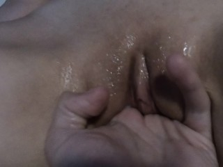 SEXY LATINA USES VIBRATOR TO MAKE HER SQUIRT WHILE HUBBY RECORDS
