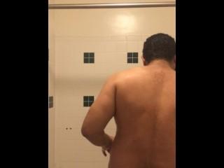 vlog #30 filming myself showering and washing my hair.