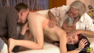 DADDY4K. Old pervert thrusts his fingers into snatch of pretty chick
