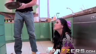 BRAZZERS - Hot milf Kiara Mia rides Manuel Ferrara