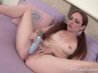 Kassondra Raine Filling Her Cunt With A Vibrator! www.LasVegasAmateurs.com