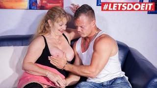 Amateur German Wife Picked up on Tinder Fucks Hardcore