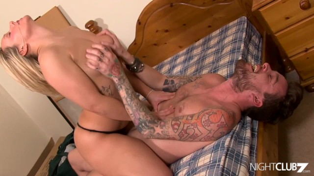 busty cowgirl dick riding
