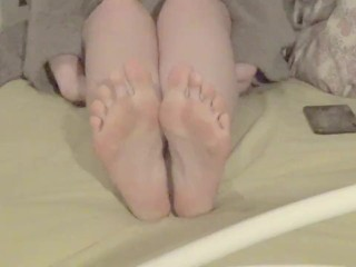 Embrace the Kink - 5 Minutes to Cum to my Perfect Soft Feet :)