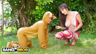 BANGBROS - Sexy Mrs. Clause aka Lexi Luna Gets Her Fix From Ricky Spanish