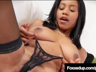 Ebony Tart Jenna Foxx Opens Her Dark Thighs & Rubs Her Pussy!