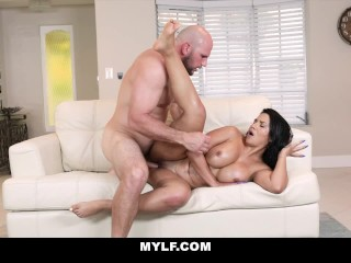 MYLF – Super Thick Rose Monroe Gets Dicked Down