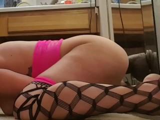Milf backs it up hard on bam dildo.  Huge Orgasm!!!