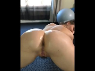 Sucking and Fucking in the gym