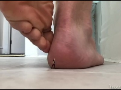 Male macrophilia
