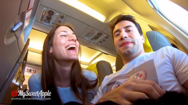 Pornแอบถ่ายอมควยให้กันระหว่างคู่รัก ที่กำลังนั่งเครื่องบินไปพักร้อน เกิดอารมณ์เงี่ยนจัดอยากเสียวแบบตื่นเต้นขณะนั่งเครื่องบิน – MySweetApple