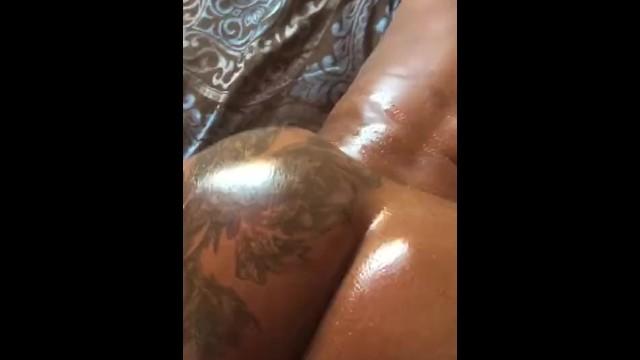 Black Girl Hit The Back