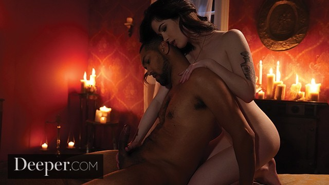 Deeper. Evelyn Claire Loves Nothing More Than WaxPlay & Kinky Sex