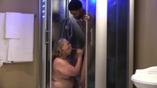 Hung Low Gets a Stunning Surprise Stunning Summer fucks him in the Shower