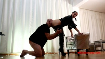 My hubby is My slave - Worship My ass
