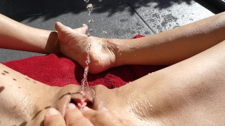 I LOVE IT TO SQUIRT IN THE SUN