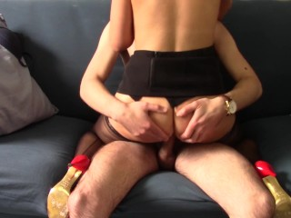 Secretary got creampied after she caught her boss watching porn