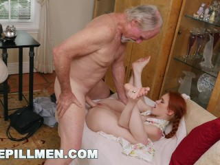 BLUE PILL MEN – Old Guys Frankie and Duke Play With Petite Dolly Little