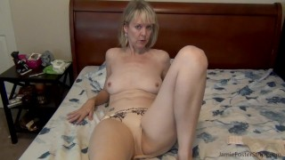 Cougar pulls off condom, wants it raw bareback!