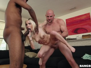 BANGBROS - 2 Vipers Vs. Piper (Perri) On Monsters Of Cock