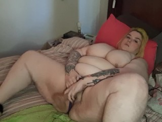 Cute Bbw cums multiple times while watching porn and playing with her toy!