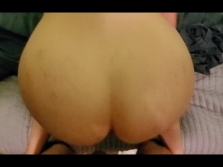 Watching VR porn while getting fucked, nice oozing creampie and cum play