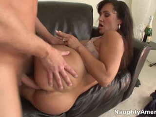 Naughty America – Family friend Lisa Ann fucking in the couch